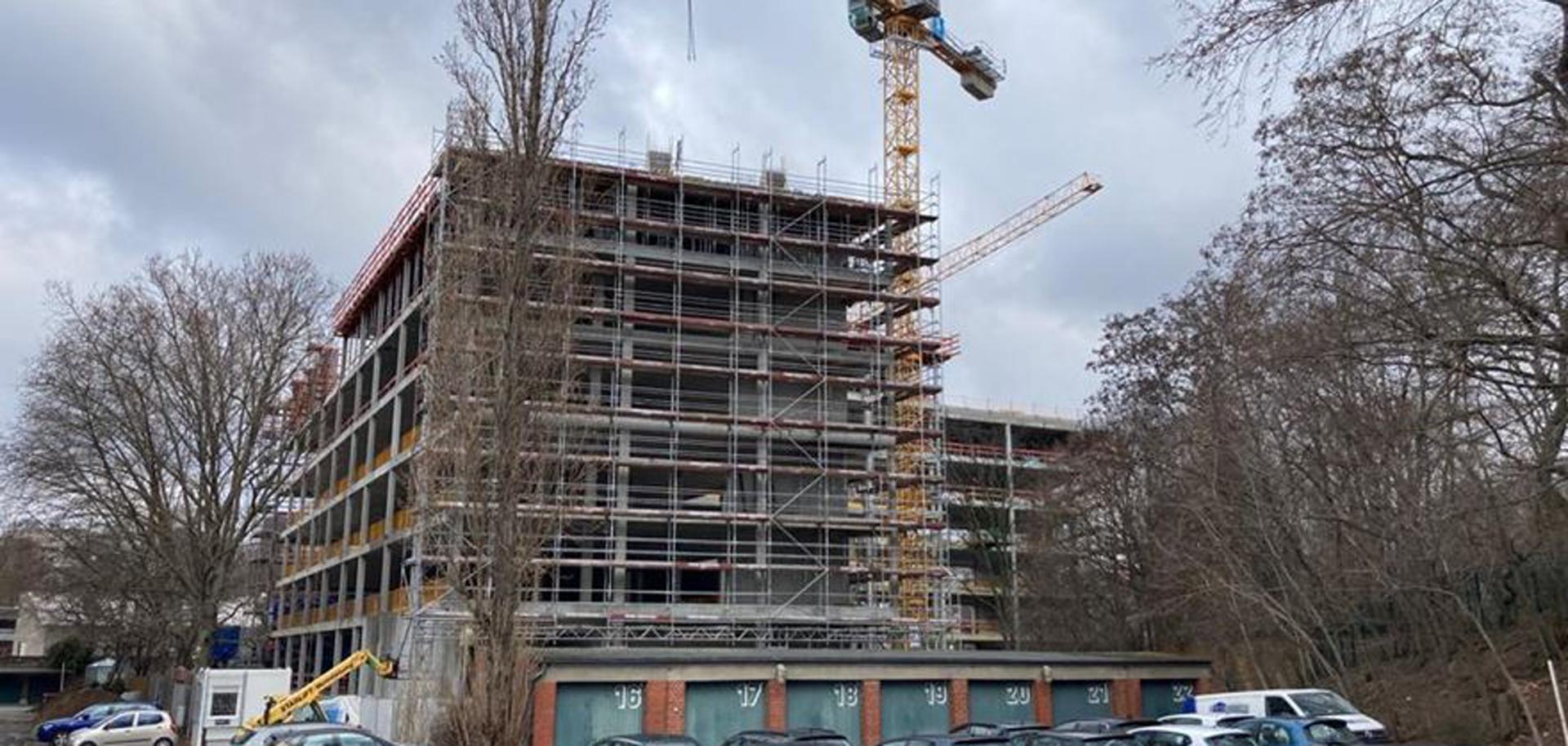 Blick auf die Baustelle - Bürogebäude Hallesches Ufer