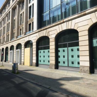 Blick auf das Bestandsgebäude - Unter den Linden