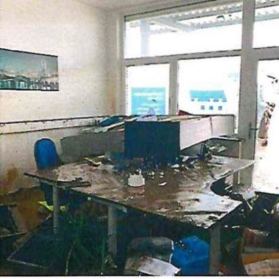 Überschwemmtes Ingenieurbüro